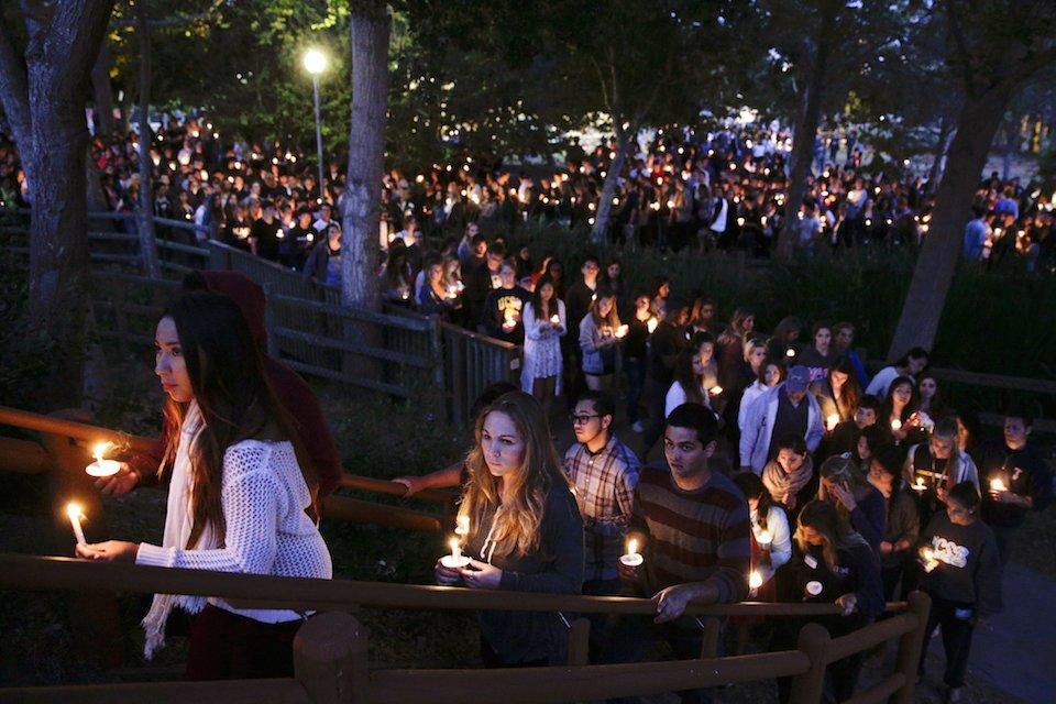 mass-shooting-candlelight